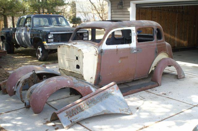 1935 dodge 4 door sedan with sidemounts for 1935 dodge 4 door sedan