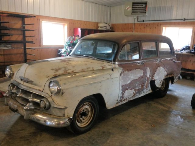 Laa1169729 1953 Chevy Wagon