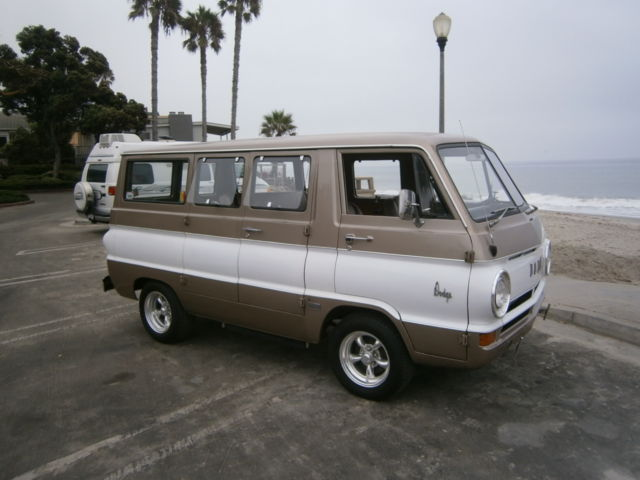 bee2a8a5c38d2a 2062115846 - 1967 DODGE A100 SHORTY SURF VAN
