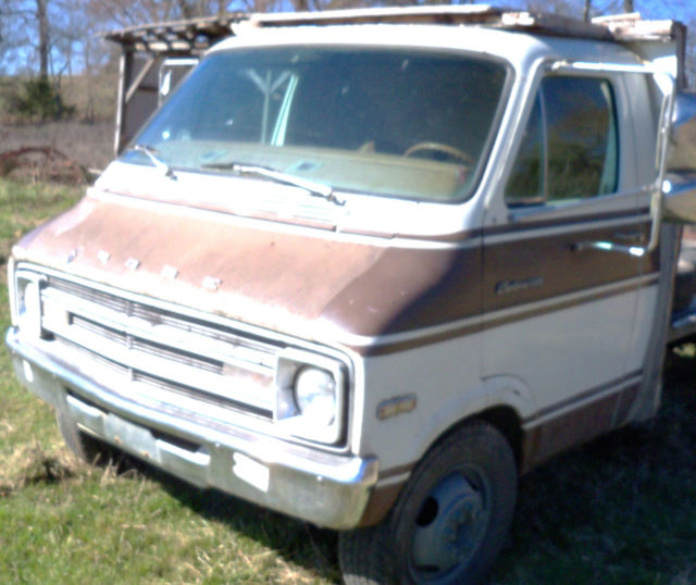 f44cf7v032653 - 1977 Dodge motorhome cab and chassis