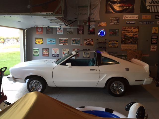 "8R03Z131177 - 1978 ""California"" Mustang II T-top (Super ..."