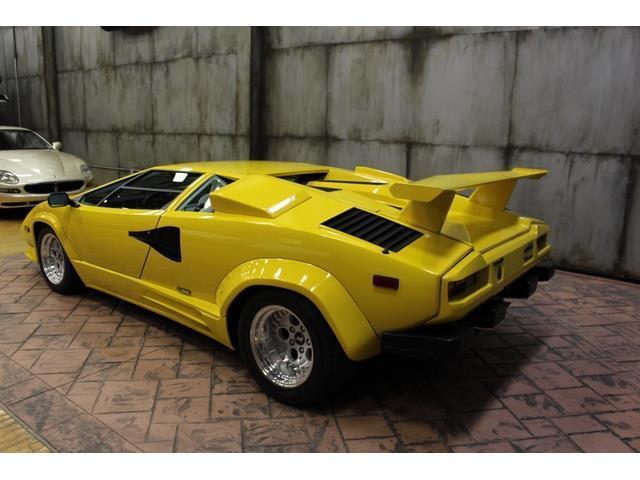 za9ca05a2jla12218 1988 lamborghini countach 13890 miles yellow 12 cylinder 5 speed manual. Black Bedroom Furniture Sets. Home Design Ideas