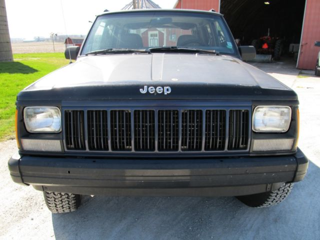 1J4FJ68S8SL606111   1995 Jeep Cherokee Sport 4x4 4 Door SUV   Runs And  Drives Good
