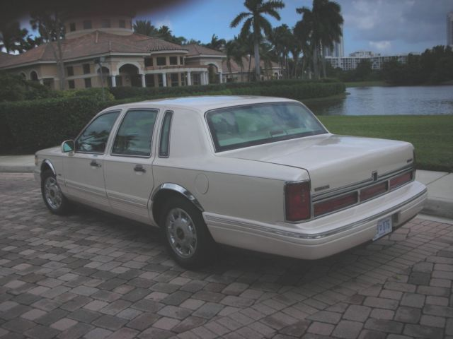 1lnlm83w3vy605196 1997 Lincoln Town Car Cartier 44k Garage Kept