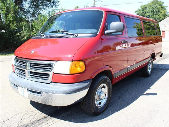 6823710786 2B5WB35Z9WK112499 - 1998 Dodge Ram Wagon