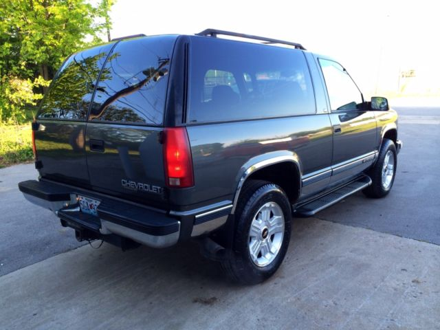 3gnek18r2xg146244 1999 2 door chevy tahoe barn doors 4x4 extra clean all original 2 owner nice. Black Bedroom Furniture Sets. Home Design Ideas