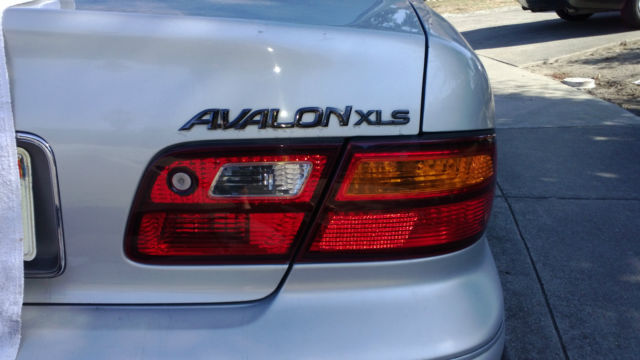 21+ 1999 Toyota Avalon Xls Platinum Edition