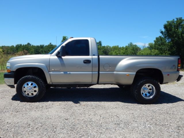 1GCJK34G62E112833 - 2002 Chevy 3500, Reg Cab Dually, 8.1 L With Allison Automatic, 4x4, Rust Free