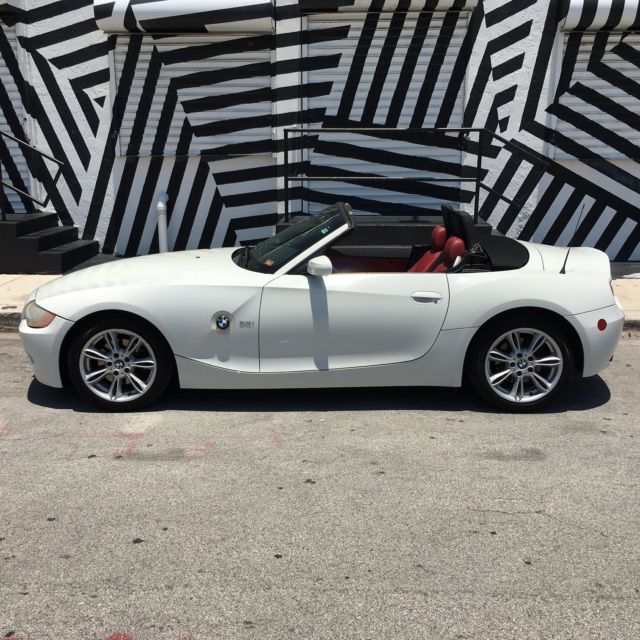 Bmw Z4 Interior Trim: 2004 BMW Z4 WHITE W/RED INTERIOR