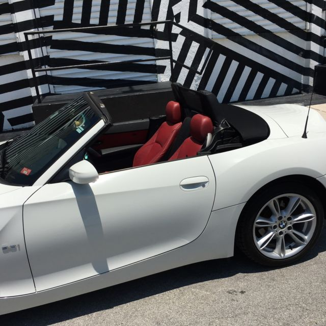 Bmw Z4 Convertible: 2004 BMW Z4 WHITE W/RED INTERIOR