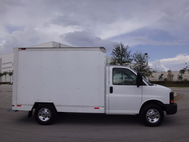 1gdgg31v871904216 2007 Gmc Savana 3500 10ft Box Fl Truck