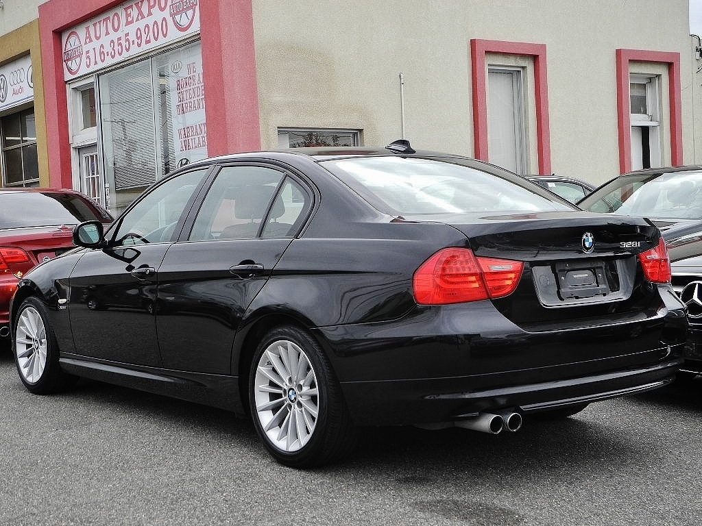 wbapk5c53ba662064 2011 bmw 3 series 328i xdrive sport pkg 69964 miles black sedan 6 cylinder autom. Black Bedroom Furniture Sets. Home Design Ideas
