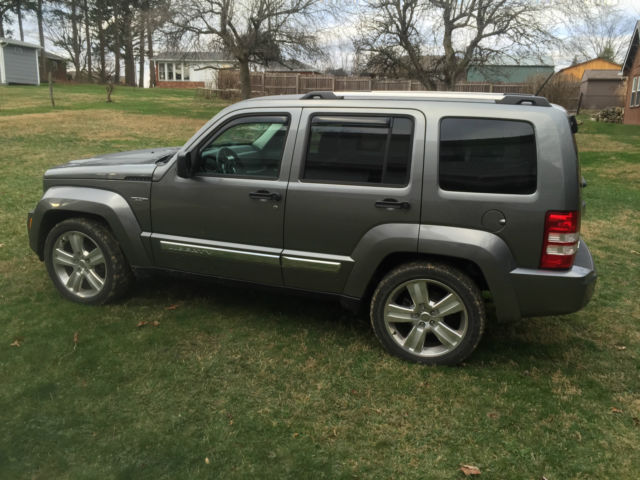 1c4pjmfk3cw177641 2012 jeep liberty jet 4wd leather limited grey 11k miles one owner. Black Bedroom Furniture Sets. Home Design Ideas
