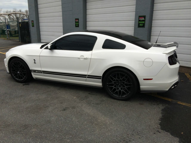 1zvbp8jz0d5231034 2013 ford shelby gt 500 mustang 4900 miles all factory options mint - Ford Mustang 2013 White