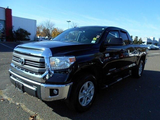 5tfuy5f12ex325397 2014 toyota tundra 4wd truck double cab 5 7l v8 6 spd at sr5 71 065 miles black. Black Bedroom Furniture Sets. Home Design Ideas