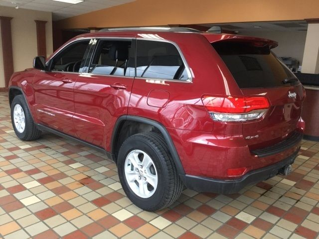 1c4rjfag2fc793747 2015 jeep grand cherokee laredo 30056 miles deep cherry red crystal pearlcoat 4d. Black Bedroom Furniture Sets. Home Design Ideas