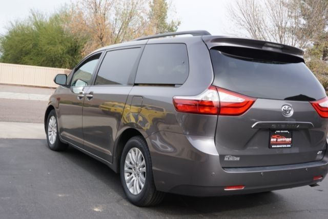 5tdyk3dc6fs615239 2015 toyota sienna xle premium 30454 miles predawn gray mica minivan van 3 5l v6. Black Bedroom Furniture Sets. Home Design Ideas