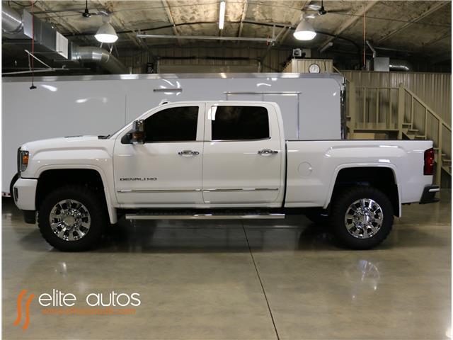 1gt12ue83gf236363 2016 gmc sierra 2500hd denali 1 000 miles summit white crew cab pickup diesel 8. Black Bedroom Furniture Sets. Home Design Ideas