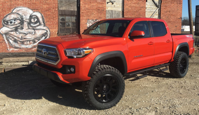 5tfcz5an2gx007740 2016 toyota tacoma trd off road 4x4 lifted 4 20 wheels 33 mt 39 s loaded. Black Bedroom Furniture Sets. Home Design Ideas