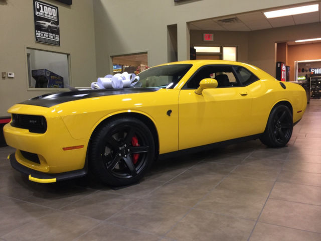 2C3CDZC92HH500706 - 2017 Dodge Challenger SRT Hellcat Manual Yellow ...