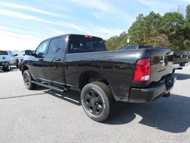 3c6ur5dj9hg538234 2017 dodge ram big horn 4x4 crew cab swb black pkg new 6 4l v8 automatic. Black Bedroom Furniture Sets. Home Design Ideas