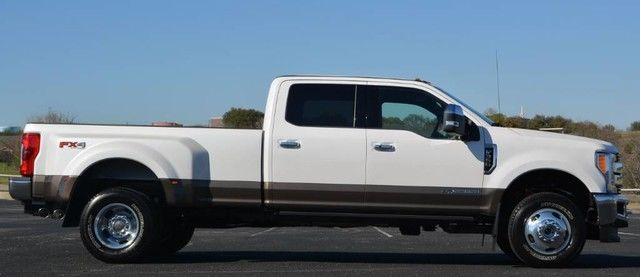 1ft8w3dt5heb76175 2017 f 350 king ranch crew cab dually 4x4 white platinum loaded msrp. Black Bedroom Furniture Sets. Home Design Ideas