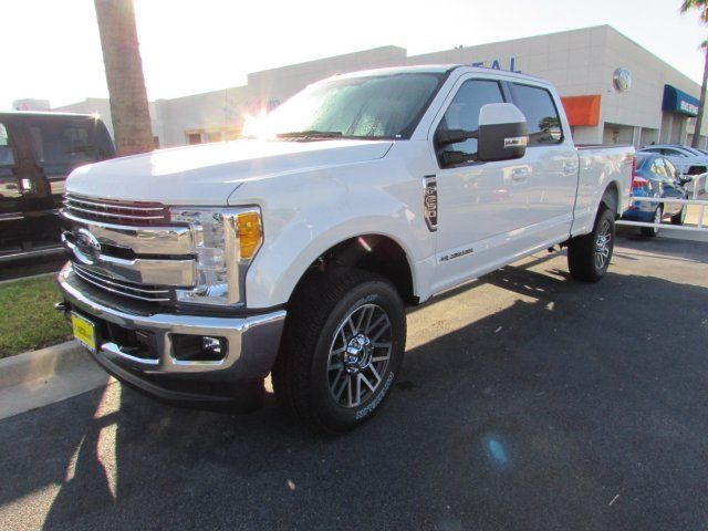 1ft7w2bt1heb39925 2017 ford super duty f250 lariat 35 miles white crew cab pickup intercooled turb. Black Bedroom Furniture Sets. Home Design Ideas