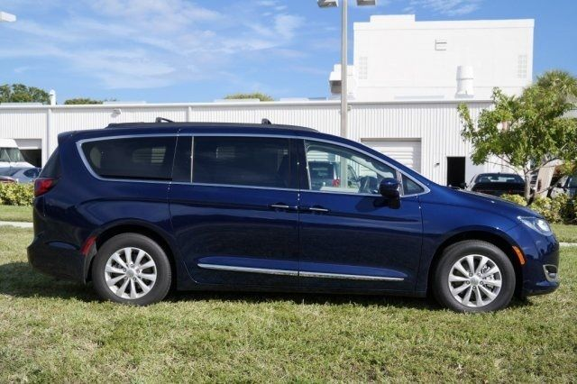 2017 chrysler pacifica engine options new car release date and review 2018 amanda felicia. Black Bedroom Furniture Sets. Home Design Ideas