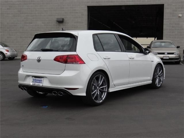 wvwwf7au2hw035070 2017 volkswagen golf r 4 door manual w dcc nav all wheel drive 4 cyl 10 mi. Black Bedroom Furniture Sets. Home Design Ideas