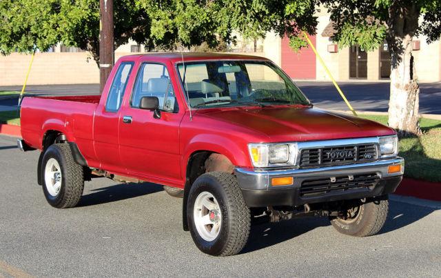 California Original  1990 Toyota Pickup 4x4  One Owner