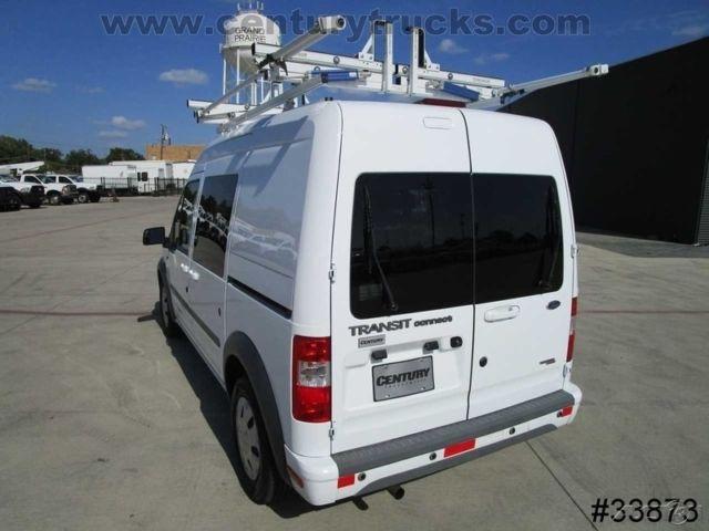 Nm0ks9bn6dt133248 Cargo Service Utility Van Bulkhead