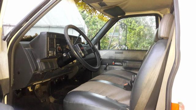 Gmc C6500 Gasoline Non-cdl 26ft Box Truck Medium Duty