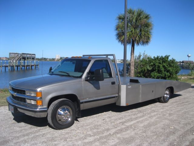 1gbjc34j8yf515308 hodges body race car hauler ramp truck custom dually flat bed 1 ton rollback
