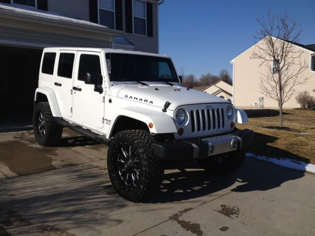 1c4bjwegxdl567206 Lifted Jeep Wrangler Unlimited Sahara