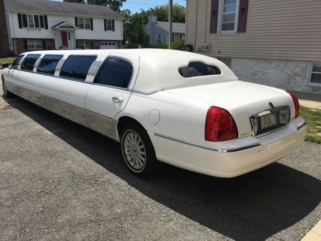 1lnhm81w55y603801 Lincoln Town Car 180 Stretch Limousine