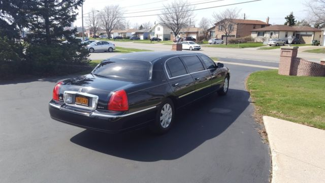 1l1fm88w05y624585 Lincoln Town Car Limo Limousine 6 Door Hearse