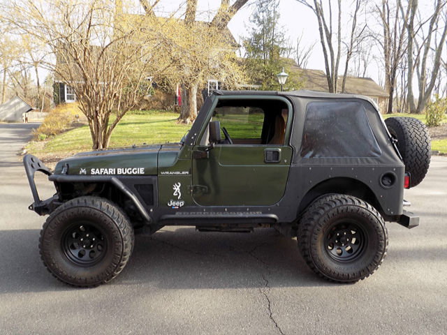 1J4FY29P1WP718231   No Reserve 1998 Jeep Wrangler SE 2 Door 2.5L 4cyl  5 Speed 4WD Soft Top NewClutch