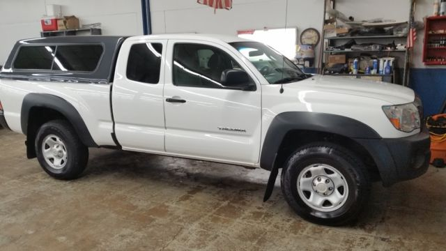 5teux42n58z479363 toyota tacoma 2008 white 5 speed for Griffin motors meadville pennsylvania