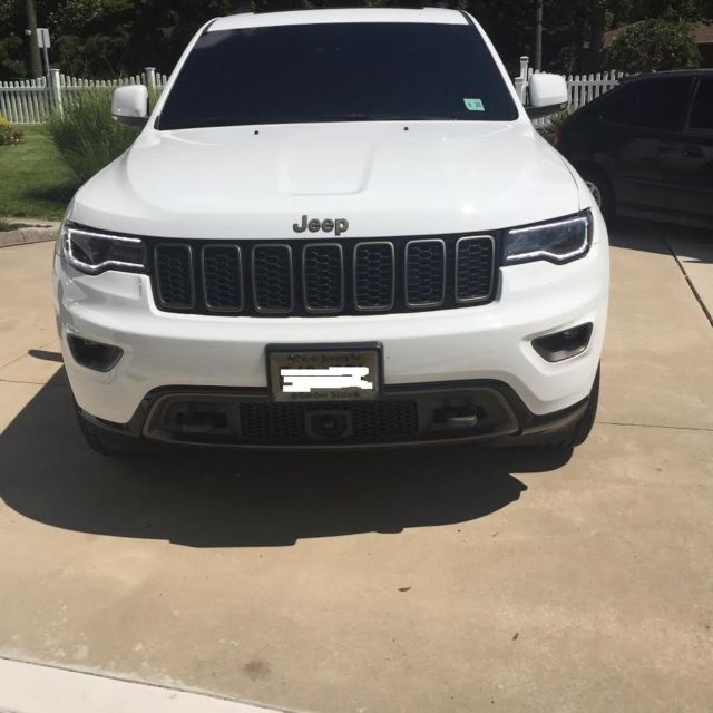 2016 Jeep Cherokee Transmission: White 2016 Jeep Grand Cherokee